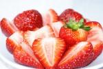 strawberry-586267_640