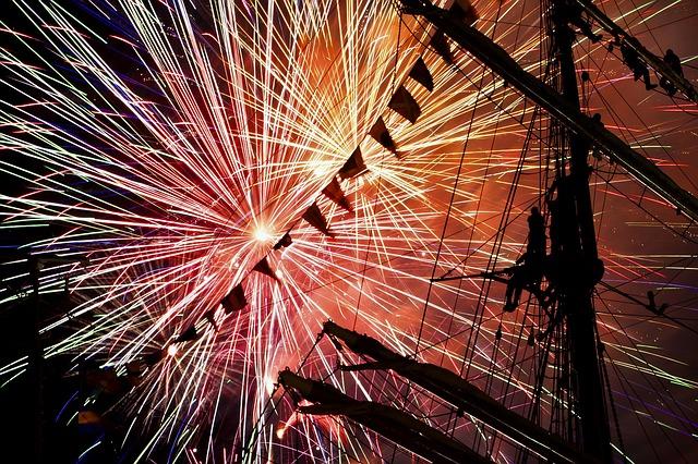 fireworks-642538_640