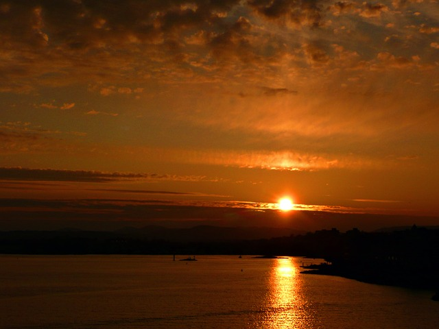 sunset-55243_640