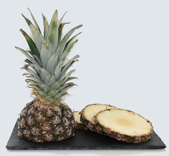 pineapple-627290_640