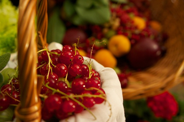 red-currant-174282_640