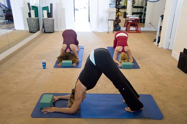yoga-263673_640