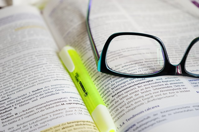 glasses-272399_640