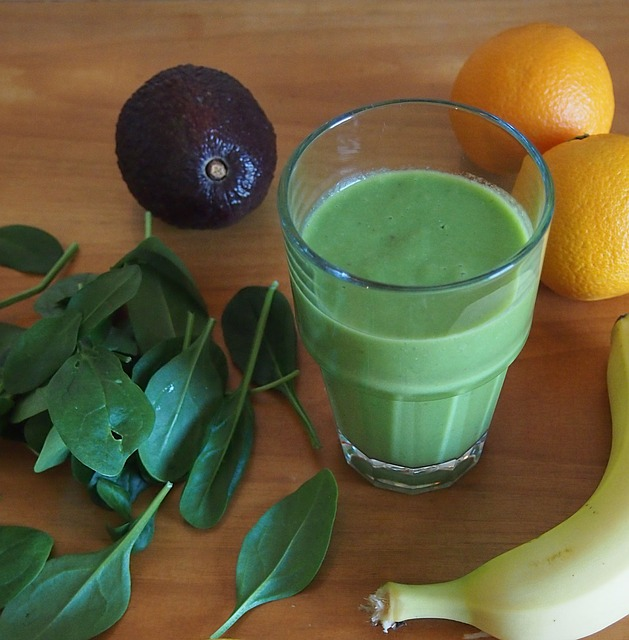 green-smoothie-681143_640