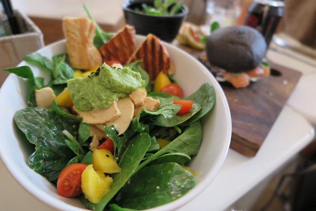 salad-926712_640