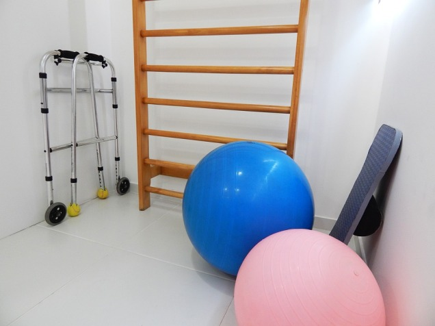 physical-therapy-1198344_960_720