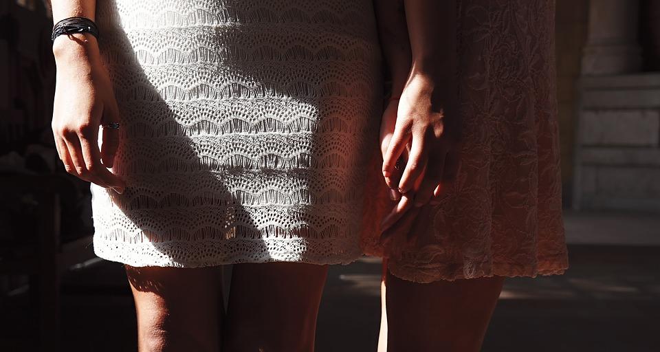 dresses-1842555_960_720