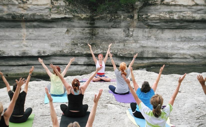 Sábado é dia de yoga emSantos